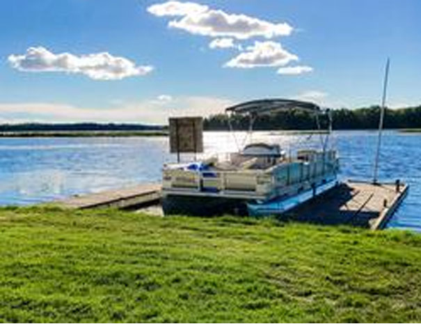 Boating and Fun at Fish and Rest Cottage Resort