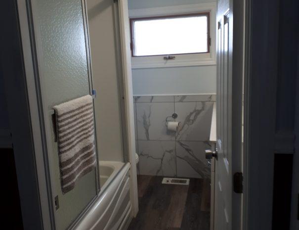 cottage-11-washroom