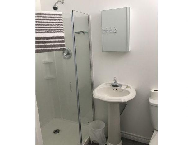 cottage1-washroom