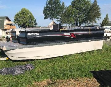 fishing-pantoon-boat-2