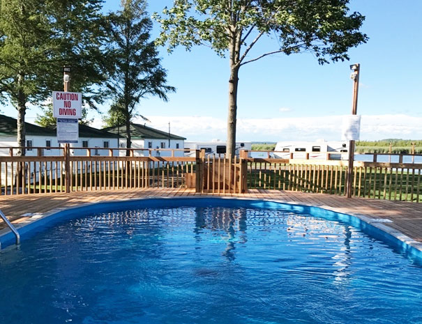 Hot Water Swimming Pool - Fish and Rest Cottage Resort