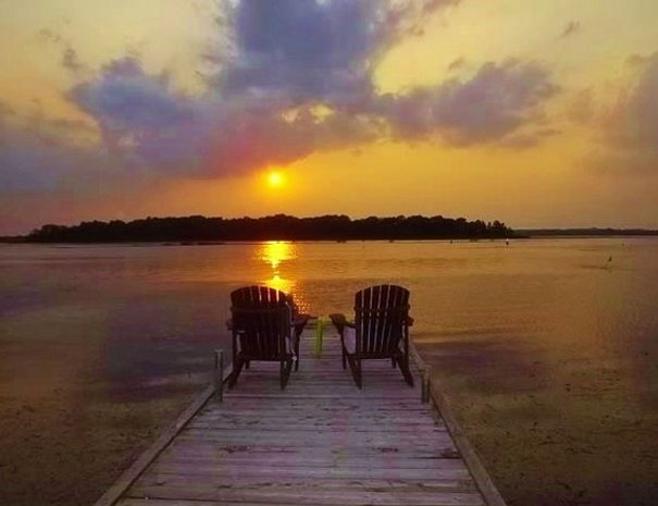 Beautiful Sunset - Fish and Rest Cottage Resort